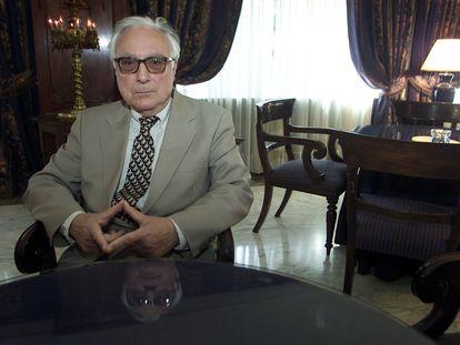 El novelista y poeta andaluz Aquilino Duque, en 2004.