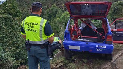 El Seat Marbella accidentado de los fallecidos Jaime Gil y su copiloto, Diego Calvo.    GUARDIA CIVIL 25/09/2021