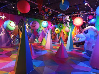 Mundo surrealista diseñado por Okuda San Miguel en Sweet Space Museum