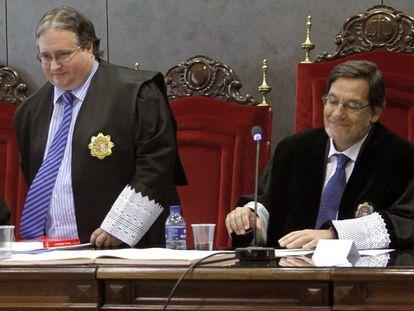 El magistrado Luis Ángel Garrido (de pie), en 2019.