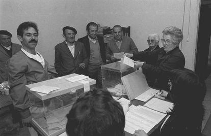 Imagen de archivo de las elecciones municipales de hace 30 años.
