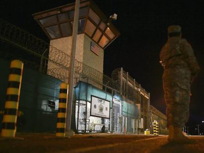 Entrada al Campo VI de la base militar de EE UU en Guantánamo (Cuba), el pasado junio.