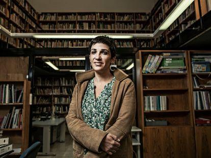 Toni Morillas, directora del Instituto de las Mujeres, en el archivo de la sede del instituto, este martes.