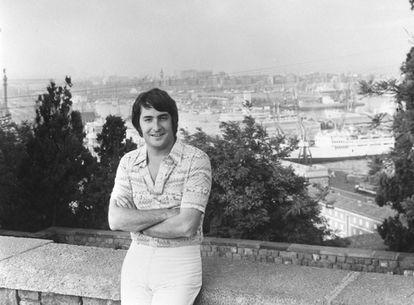Nino Bravo (1944-1973), en Barcelona, antes de sus icónicos retratos melenudos.