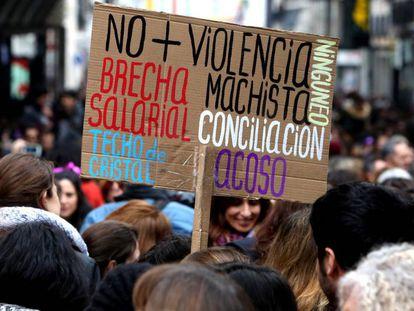 Acto por el Dia Internacional de la Mujer en la plaza de Callao.