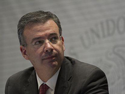 Alejandro Díaz de León en un evento del gobierno de México.