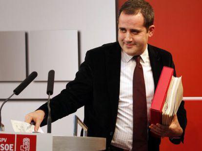 Jorge Alarte, tras una rueda de prensa en la sede del PSPV-PSOE.