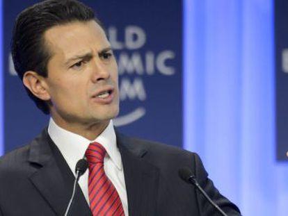 El presidente de México Enrique Peña Nieto en un panel en el Foro Económico Mundial