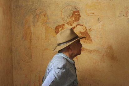 Zahi Hawass, que dimitió ayer de su cargo de ministro de Antigüedades de Egipto, retratado en Saqqara. cordon press