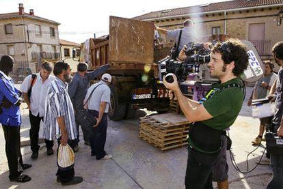 En la filmación de una película se puede aprender mucho sobre el reparto de los roles en los equipos de trabajo.
