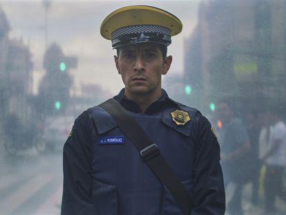 La otra cara de la policía en la nueva película del director Alonso Ruizpalacios 'Una Película de Policías' que Netflix estrenará el 5 de noviembre.