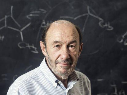 Alfredo Pérez Rubalcaba, en Universidad Complutense de Madrid, donde impartió clase, en 2016.