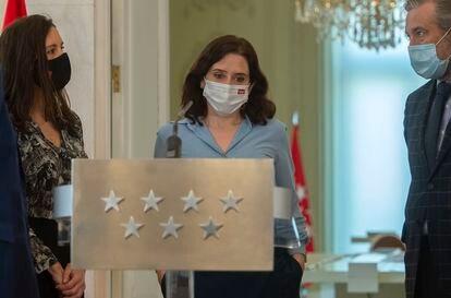 La presidenta de la Comunidad de Madrid, Isabel Díaz Ayuso, finaliza una rueda de prensa en la sede regional, tras el anuncio de elecciones para el próximo 4 de mayo.