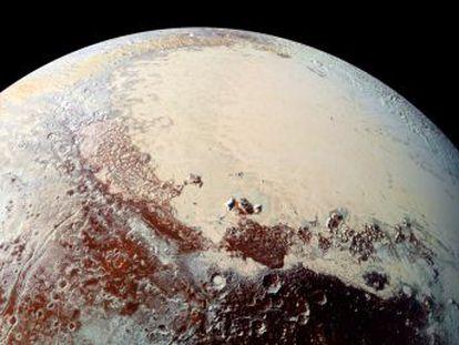 Imágenes de la sonda  New Horizons  sugieren que el planeta alberga tanta agua salada como la Tierra