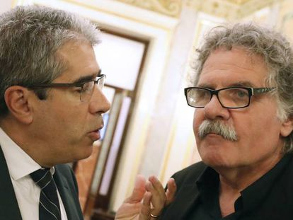 Francesc Homs y Joan Tardá en el Congreso tras la primera sesión de investidura.