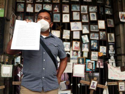 Reporteros de Cuernavaca se pronuncian contra el asesinato del periodista Manuel González Reyes, este martes.