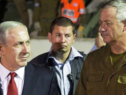 Benjamín Netanyahu y el general Benny Gantz, en Tel Aviv en 2012.