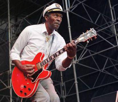 Chuck Berry, durante una actuación en 1997. El músico publicará su primer disco en 38 años en 2017.