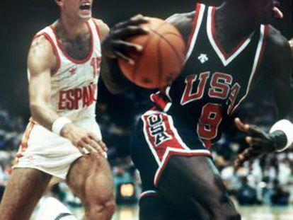 Epi persigue a Michael Jordan en la final del 84.