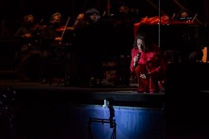 Concierto de Luz Casal y la Real Filarmonía de Galicia en la Plaza del Obradoiro de Santiago de Compostela.