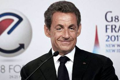 El presidente francés Nicolas Sarkozy abre el encuentro mundial sobre Internet.
