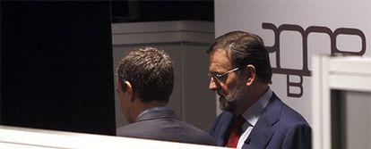 José Luis Rodríguez Zapatero (a la izquierda) y Mariano Rajoy, el pasado lunes antes de iniciarse el debate.