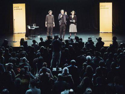 Desde la izquierda, Thomas Porcher, Raphael Glucksmann y Claire Nouvian, en la presentación de Place Publique en París.