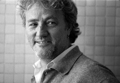 Floro Pérez, documentalista del diario EL PAÍS, en una imagen de 1997.