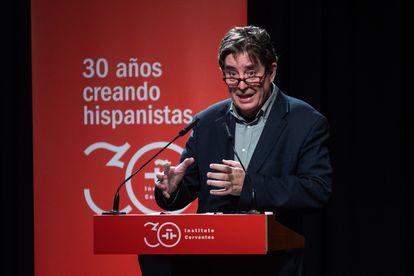 El director del Instituto Cervantes, Luis García Montero, presenta el anuario 'El español en el mundo 2021', este jueves en Madrid.