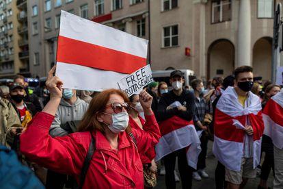 Manifestación en Varsovia contra el régimen de Alexandr Lukashenko.