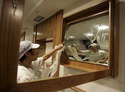 Los espejos auténticos, que fueron restaurados, están ahora guardados dentro del restaurante.