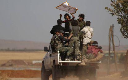 Guerrilleros de Nour al Din al Zinki en la ciudad siria de Al Rai, el pasado septiembre.