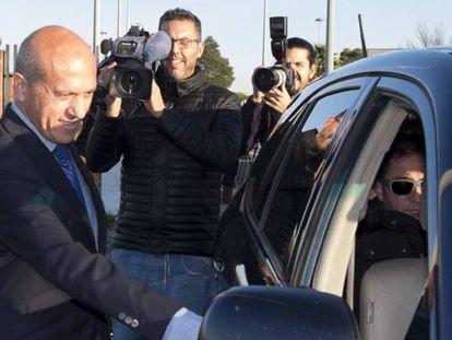 José María Del Nido, tras abandonar la prisión de Huelva durante un permiso.