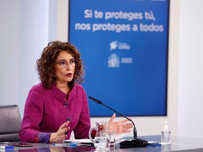 La ministra de Hacienda y portavoz del Gobierno, María Jesús Montero, en la rueda de prensa tras el Consejo de Ministros de este martes.