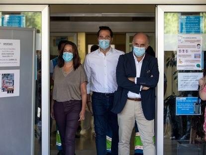 Antonio Zapatero y García Aguado, durante una visita a finales de agosto al dispositivo instalado en Fuenlabrada para la realización de pruebas PCR.