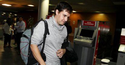 Héctor Sánchez, a la salida de la comisión en Rivas Vaciamadrid.