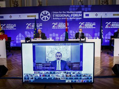 Un momento de la intervención telemática de Felipe VI en el Foro de la Unión por el Mediterráneo (UpM), celebrado en Barcelona.