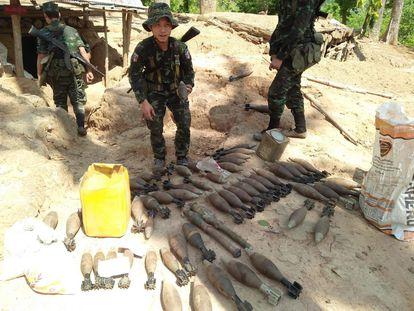 Un soldado del Ejército de Liberación Nacional Karen, grupo armado de la Unión Nacional Karen, el 7 de mayo en el municipio de Mutraw.