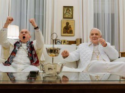 La película de Fernando Meirelles sobre Benedicto XVI y Francisco se estrena en Netflix y provoca un debate sobre si dulcifica o refleja de manera fiel la política del Vaticano