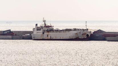 El buque 'Karim Allah', atracado en la dársena de Escombreras, en Cartagena (Murcia), el 5 de marzo.