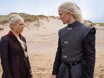 Emma D'Arcy y Matt Smith, en una imagen de 'La casa del dragón'.