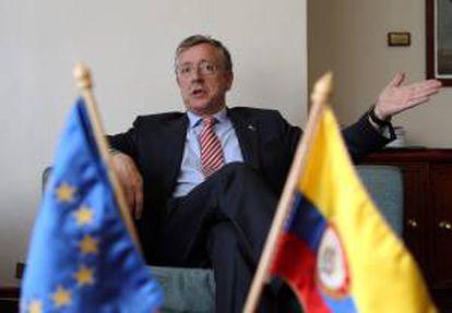 El jefe negociador de la UE del Acuerdo Comercial con Colombia, el portugués Joao Aguiar Machado, habla durante una entrevista con EFE en Bogotá (Colombia).