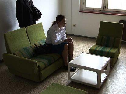 Una escena del vídeo 'Habitaciones, conversaciones', de Dora García.