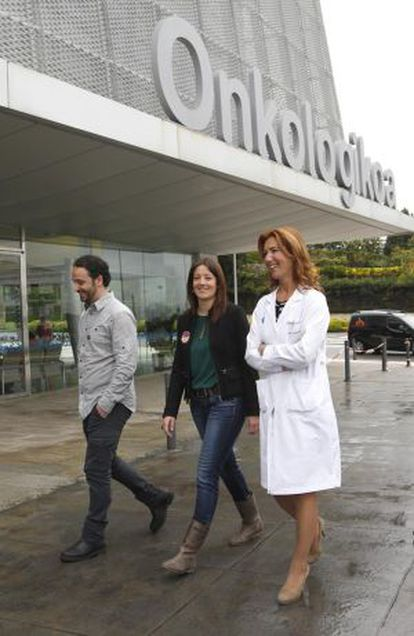 Los desarrolladores del proyecto junto al Instituto Onkologikoa.