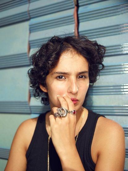 La escritora francesa Fatima Daas, la semana pasada en París.