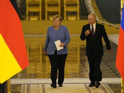 Angela Merkel y Vladimir Putin tras su encuentro en el Kremlin el 20 de agosto.