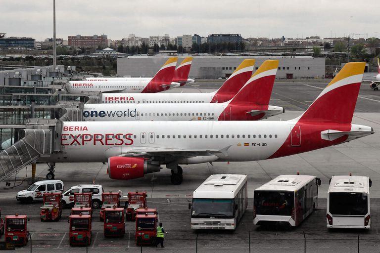 Aviones de Iberia parados en el aeropuerto Madrid-Barajas Adolfo Suarez el pasado viernes.