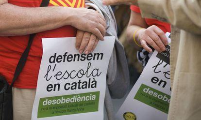 Manifestación a favor de la escolarización en catalán en Mataró.