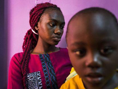 Participantes de un programa de Unitaid para el diagnóstico del VIH en Camerún.