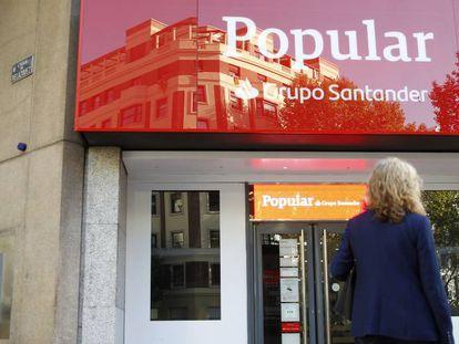 Imagen de una sucursal de Banco Popular.